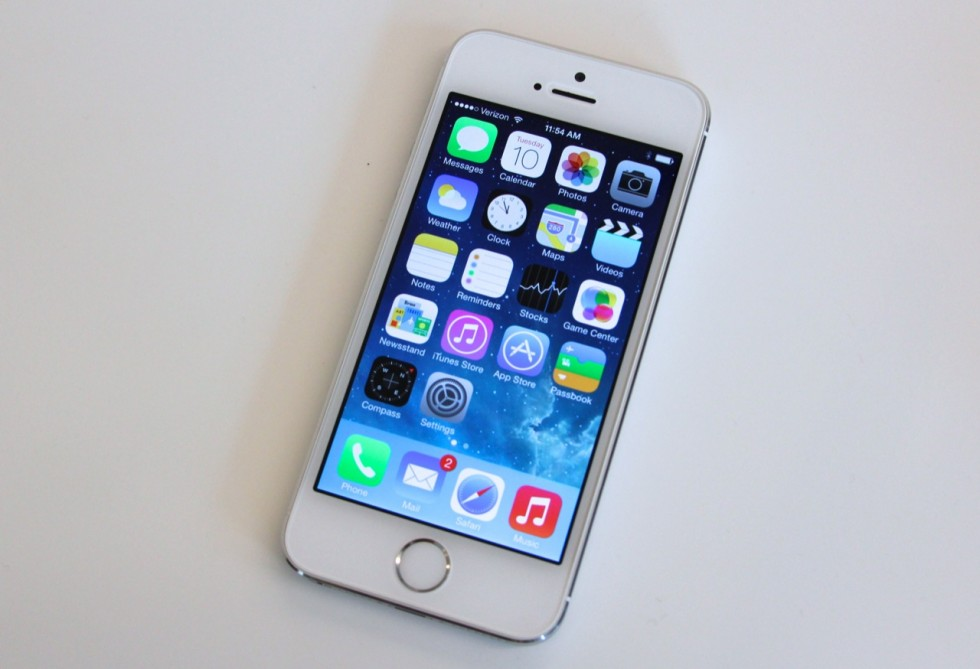 एप्पलले ४ इन्च स्क्रीन भएको फोन ल्याउने, आईफोन सिक्स सी छिटै आउनसक्ने