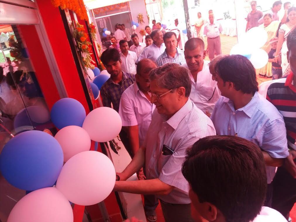 रोयल इन्फिल्डको शोरुम जनकपुरमा