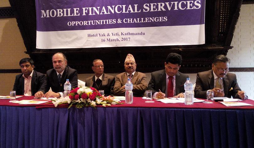 मोबाइल फाइनान्सिंगको अनुमति राष्ट्र बैंकले संयमित भएर दिने