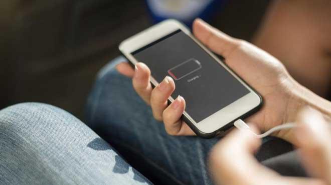 स्मार्टफोन चार्जिंग गर्दा यी विषयमा विशेष ध्यान दिनुस्, तपाईँको फोन कहिलै पड्किँदैन्