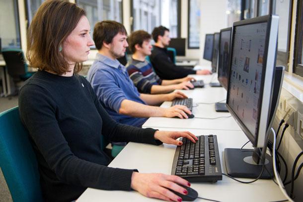 तपाईँको कम्प्यूटर अपडेट छ? होस गर्नुस् नत्र चोरी होला व्यक्तिगत डाटा