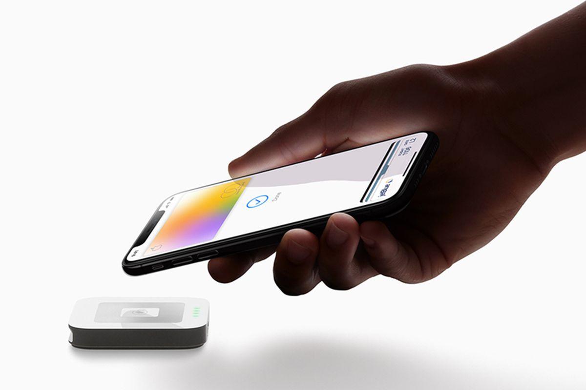 एप्पलले आफ्ना ग्राहकहरुका लागि शुरु गर्यो एप्पल कार्ड, २ प्रतिशत क्यासब्याक पनि दिने