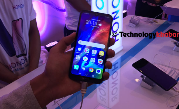 ह्वावेले स्मार्टफोन ब्राण्ड अनर ब्राण्ड १८ खर्ब ८ अर्बमा बिक्री गर्दै