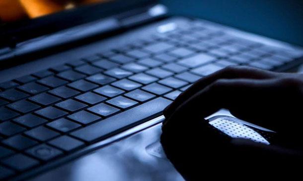 पोर्न साइट हेर्नुहुन्छ ? होस गर्नुस् गूगल र फेसबुकले गोप्यरुपमा तपाईँलाई ट्र्याक गरिरहेका छन्