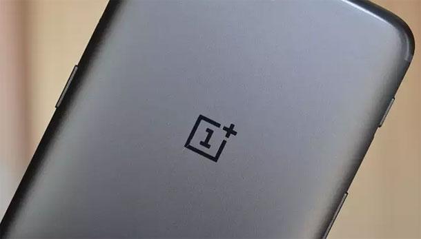स्मार्टफोन निर्माता वनप्लसका यूजर्सको डाटा चोरी, तपाईँको पनि व्यक्तिगत डाटा पर्यो की हेर्नुस्