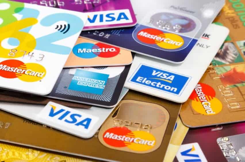 फ्रडबाट बच्न यस्ता छन् डेबिट कार्ड तथा क्रेडिट कार्ड सुरक्षित गर्ने उपायहरु