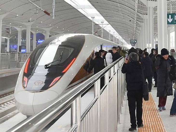 चीनमा स्मार्ट हाईस्पीड ट्रेन संचालनमा, फाइभजीसहितको स्मार्ट र अत्याधुनिक प्रविधि प्रयोग