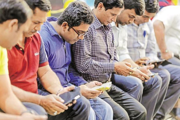 विश्वभरमा सबैभन्दा धेरै डाटा प्रयोग भारतीयहरुले गर्ने, एक महिनामा नै ११ जीबी डाटा खर्च