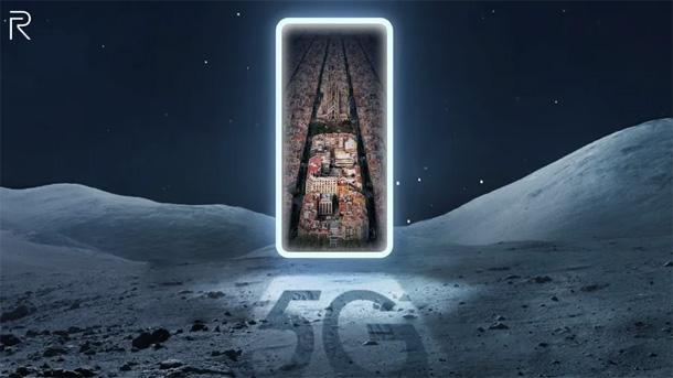 रियलमीले आफ्नो नयाँ ५जी स्मार्टफोन मोबाइल वर्ल्ड कंग्रेसमा लन्च गर्दै
