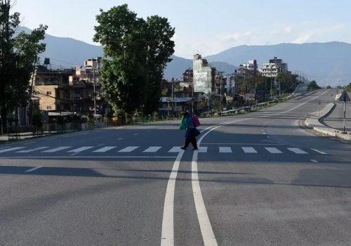 सरकारले आंशिकरुपमा लकडाउन खुला गरेपनि औसत भन्दा ११ प्रतिशत बढि नेपाली घरभित्रै
