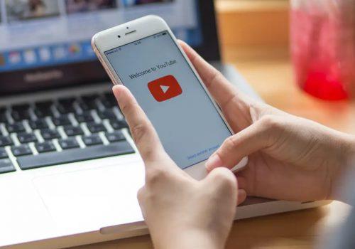 स्मार्टफोनको ब्याकग्राउण्डमा यूट्यूब चलाउँदै काम गर्न चाहनुहुन्छ ? हेर्नुस् निकै सजिलो तरीका