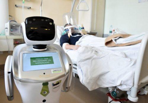 इलामका युवाले बनाए कोरोना अस्पतालमा प्रयोग गर्ने रोबोट, बिरामीलाई औषधि दिन सहयोग गर्ने