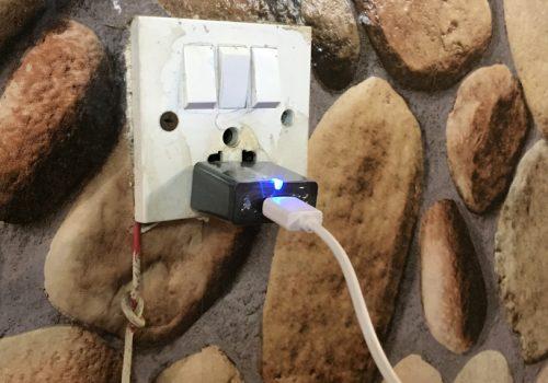मोबाइलको ब्याट्री सकिँदा जहाँ पायो त्यहाँ चार्ज गरिहाल्नु हुन्छ ? त्यसो हो भने अब सावधान हुनुहोस्