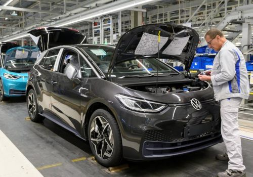 गाडी उत्पादक फक्सवागनमा इलेक्ट्रोनिक्स सामाग्री र सेमिकन्डक्टर कम्पोनेन्टको अभाव