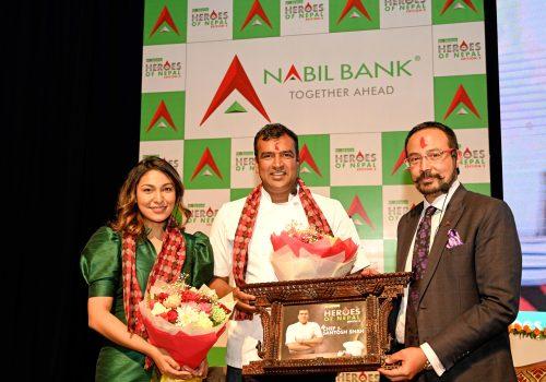 नबिल बैंकको 'हिरोज् अफ नेपाल' मा सेफ सन्तोष शाह सम्मानित