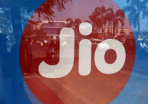 भारतीय टेलिकम अपरेटर जियोले बजेट ल्यापटप जियोबुक ल्याउँदै