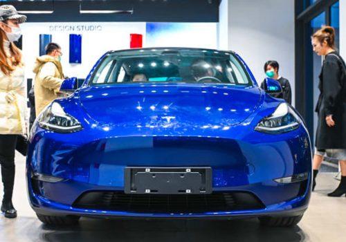 टेस्लाको गाडी चिनियाँ सेनाका कर्मचारीलाई प्रयोगमा प्रतिबन्ध