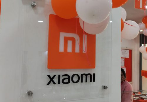 स्मार्टफोन निर्माता शाओमीले १.२९ अर्ब डलरको आफ्नो शेयर पुनः खरिद गर्दै