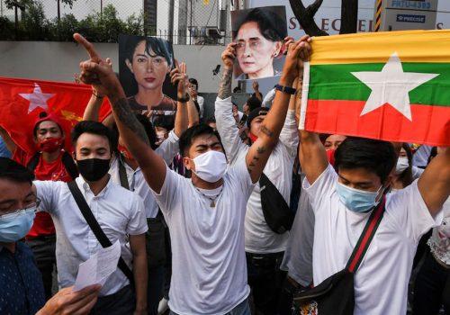 म्यानमारमा जुन्ताको 'कु' विरुद्धका विरोध प्रदर्शनहरु दबाउन वायरलेस इन्टरनेट सेवा बन्द