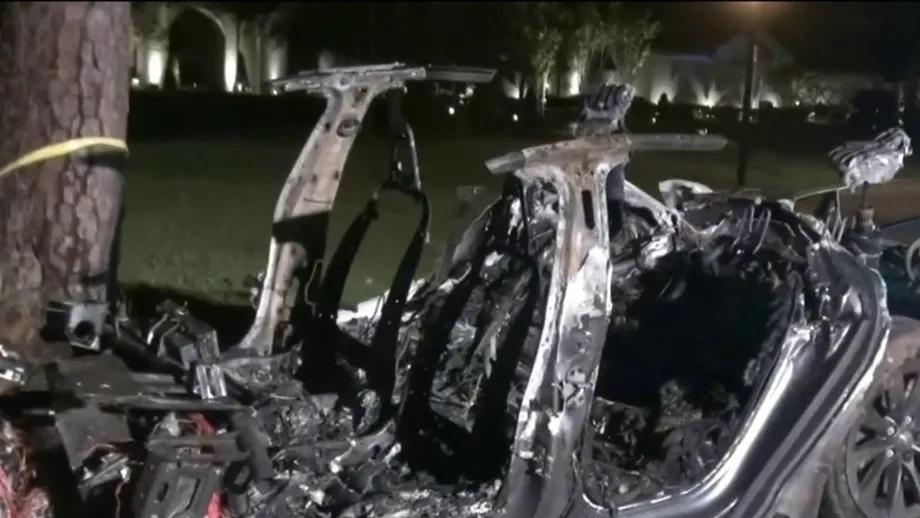 अमेरिकामा टेस्लाको स्वचालित कार दुर्घटना, दुई जनाको मृत्यु