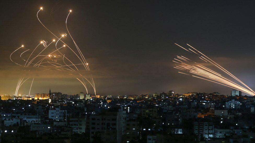 शत्रुले प्रहार गरेको क्षेप्यास्त्र ध्वस्त पार्ने इजराइलको आइरन डोम प्रणाली के हो