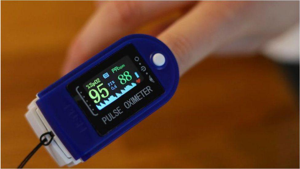 अक्सिजनको मात्रा नाप्ने पल्स अक्सीमीटर किन्दै हुनुहुन्छ ? त्यसोभए यी विषयहरुमा ध्यान दिनुस्