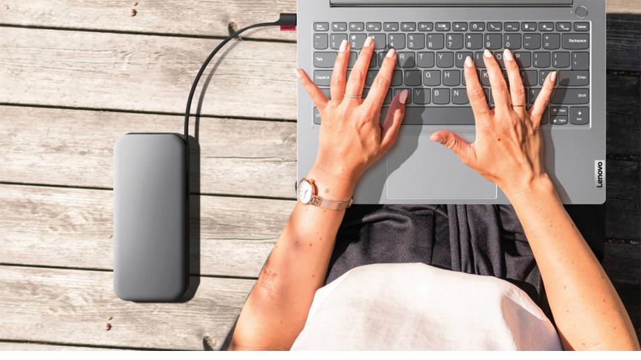 'लेनोभो गो' पावर बैंक जसले एकैपटकमा तीन ओटा डिभाइस चार्ज गर्न सक्छ