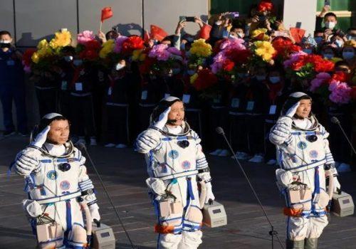 तीन महिने मिसन पूरा गरेर चिनियाँ अन्तरिक्षयात्रीको टोली पृथ्वीमा फर्कँदै