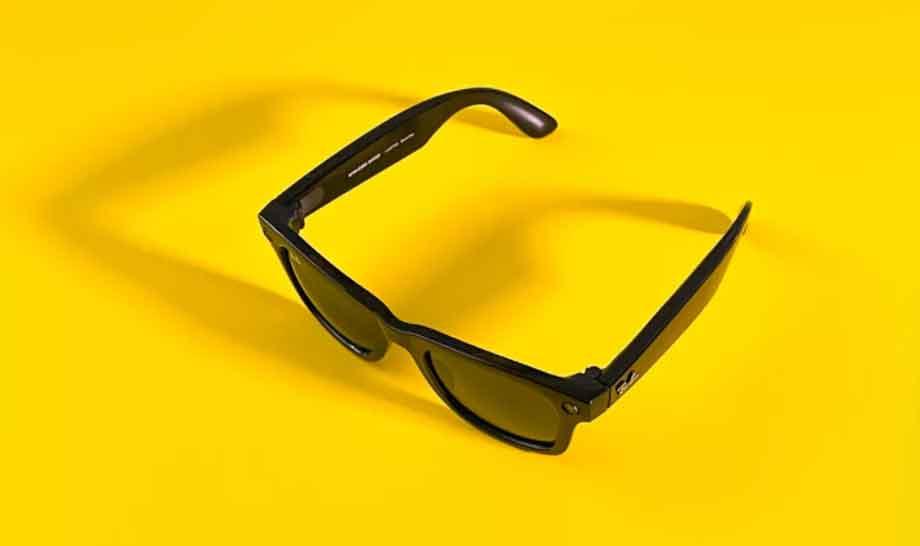 फेसबुक र रे-बानले संयुक्तरुपमा ल्याए स्मार्ट सनग्लास, फोटो र भिडियो रेकर्ड गर्नसक्ने