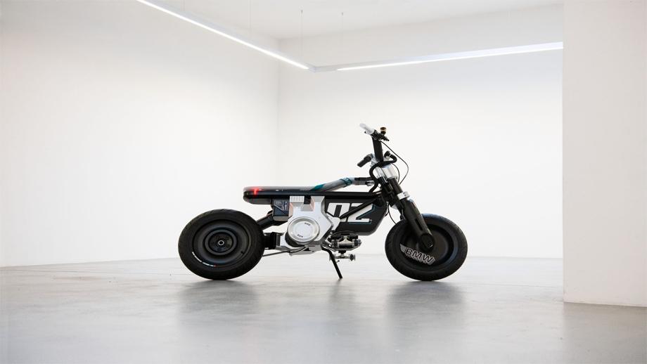बीएमडब्लूद्वारा युवा लक्षित विद्युतीय कन्सेप्ट मोटरसाइकल सार्वजनिक