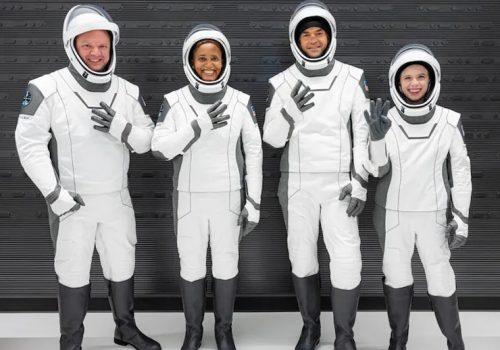 अन्तरिक्ष पर्यटनमा स्पेसएक्सले पनि रच्यो इतिहास, ४ जना सर्वसाधारण अन्तरिक्षमा प्रस्थान